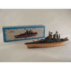 BATTLESHIP DIE-CAST ANTIQUE STYLE NOVELTY PENCIL SHARPENER
